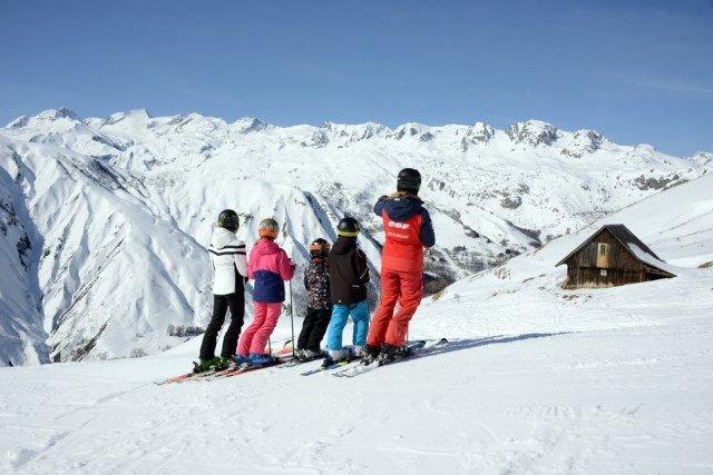 Ski school, Kids club