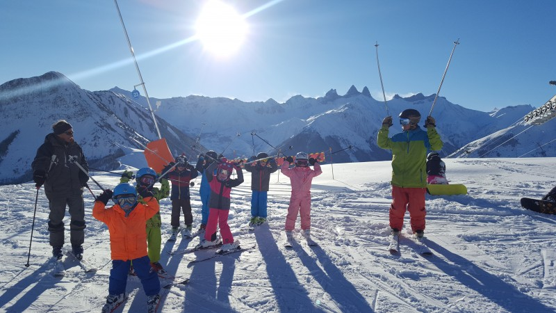 groupes skieurs enfants